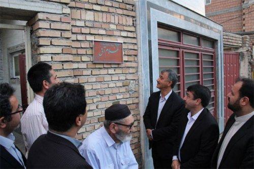 نصب اولین پلاک ماندگار هنرمند صنایع دستی استان گلستان درشهرستان گنبد کاووس